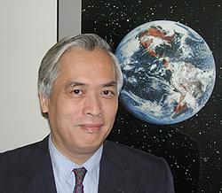 """Trinh X Thuan : """"Où est donc le centre du Big bang ? La où vous êtes et partout dans l'Univers. Parce que tout est centre, rien n'est centre""""."""