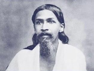 """Sri Aurobindo : """"L'Homme est un être de transition; il n'est pas le stade ultime ni le couronnement de l'existence sur la terre..."""""""